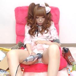 【ライブチャット】ゴスロリ美少女が電マとかおもちゃを使いまくってメチャ激しいオナニーを配信!