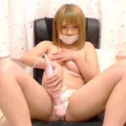 (モザ無らいぶちゃっと)超可愛いなカネ髪少女系美10代小娘がデンマやローションを使っていやらしいおなにー配信