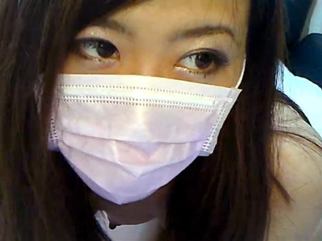 【ライブチャット動画】体付きがセクシーすぎるTバック素人の喘ぎ声を漏らしながらのエロ配信