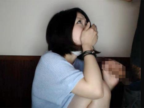 【ライブチャット動画】黒髪ショートカット素人が彼氏に手マンされたり逆にチンポを手コキしたりフェラしたりのカップル配信