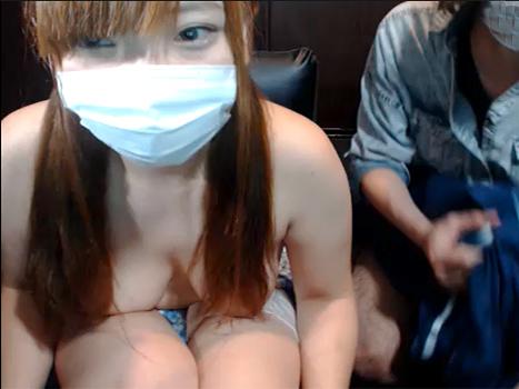 【ライブチャット動画】ムチムチ巨乳の素人がネカフェで彼氏とド変態な相互オナニー