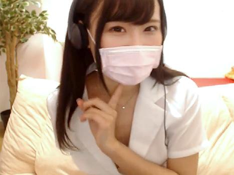 【ライブチャット動画】吉木りさ似のOL系な美人お姉さんがノーブラオッパイの乳首ぽろりしちゃんだから