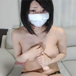【ライブチャット動画】Sっぽい顔つきの黒髪ショートカット美女がしゃぶりつきたくなる美巨乳を丸出し