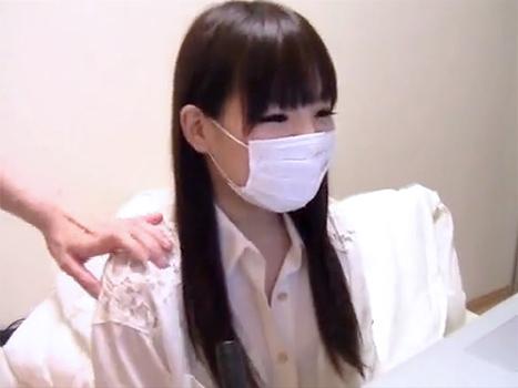 【ライブチャット動画】この清楚なお嬢様系美少女が1分後にはローターやバイブを突っ込まれてSEX配信するなんて信じられない