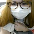 【ライブチャット動画】金髪眼鏡のサブカル女子っぽい素人が巨乳と伸びかけマン毛を生公開!