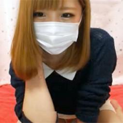 【ライブチャット動画】こんな激カワ素人が生脱ぎ配信で貧乳披露して乳首コリコリオナニー