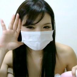 【ライブチャット動画】黒髪ロングのお姉さん系素人がマイ電マ取り出してオナニーする準備万端!