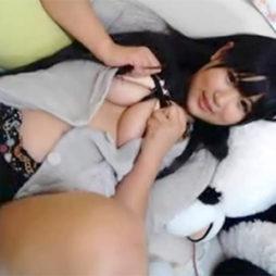 【アダルトライブチャット】黒髪ロングのアイドル系素人の爆乳で即ヌキオッケー!