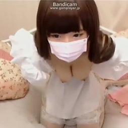 [ライブチャット]人形みたいに整った顔の娘さんが作り物かと思うほどの巨乳を丸出しにしちゃう