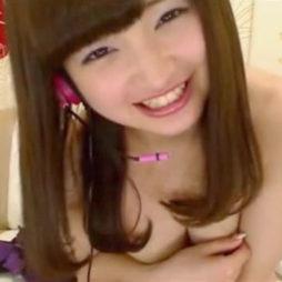 [個人収録]ニコニコ笑う顔が超最高に可愛い小娘がお乳出しちゃうらいぶちゃっと