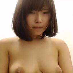 【ライブチャット動画】ヤバイ!ムッチリ系巨乳素人娘が公衆トイレでオナニーからの彼氏とSEX配信