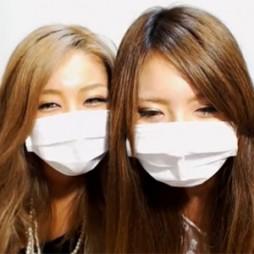 【ライブチャット動画】顔だけで抜けそうなぐらい美人なギャル系の素人二人組!有料もぜひ見たい
