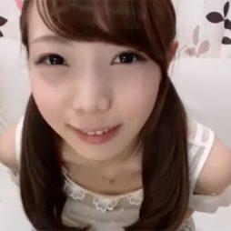 [個人撮影流出]こんな童顔で可愛い娘がライブチャットでオナニーしてくれるなんて